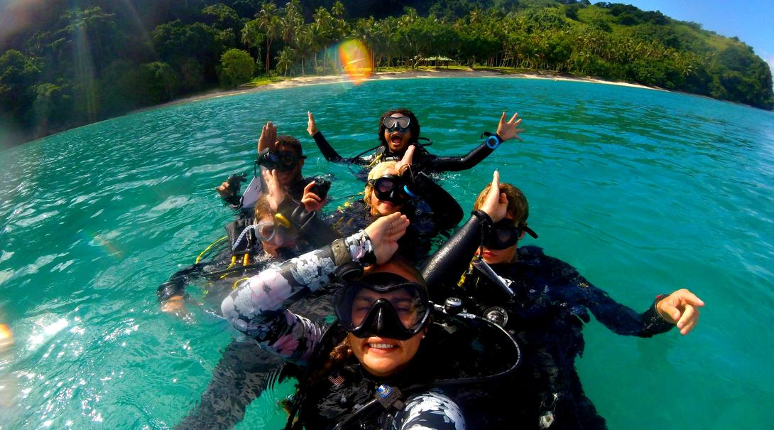 Marine conservation volunteers abroad dive in Fiji and collect scientific data on sharks.